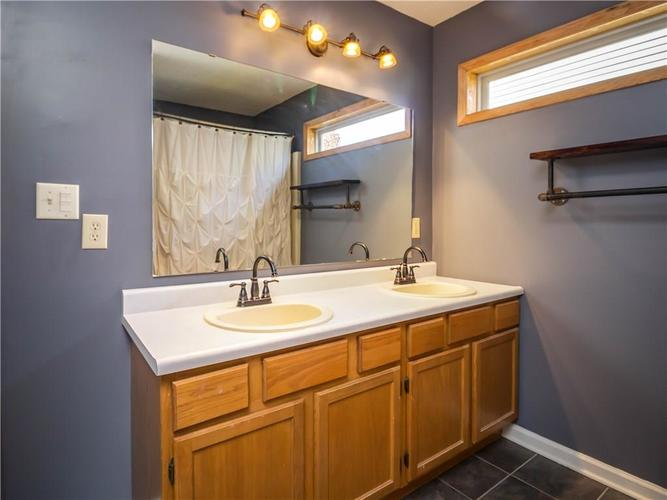 6327 Bryce Canyon Drive Indianapolis, IN 46237 | MLS 21683964 | photo 14
