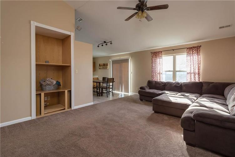 6327 Bryce Canyon Drive Indianapolis, IN 46237 | MLS 21683964 | photo 2