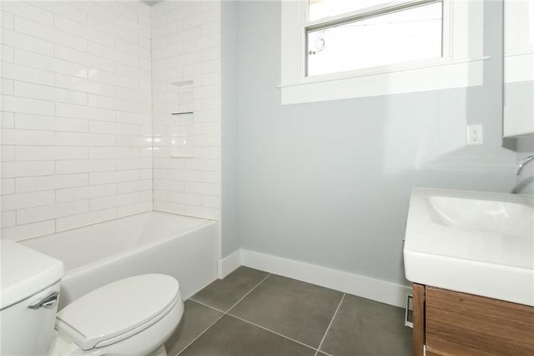 715 E 17th Street Indianapolis, IN 46202 | MLS 21684013 | photo 19