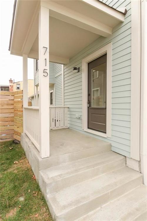 715 E 17th Street Indianapolis, IN 46202 | MLS 21684013 | photo 2