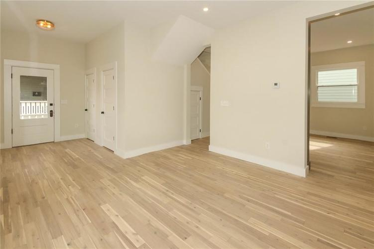 715 E 17th Street Indianapolis, IN 46202 | MLS 21684013 | photo 5