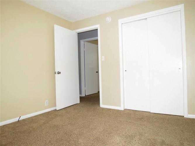 2231 Timbercrest Drive Columbus, IN 47203 | MLS 21684019 | photo 14
