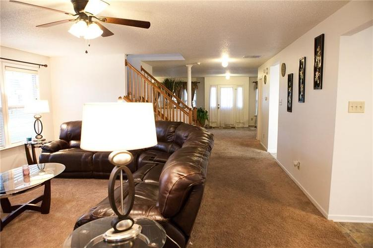 1374 DANIELLE Drive Indianapolis, IN 46231 | MLS 21684021 | photo 7