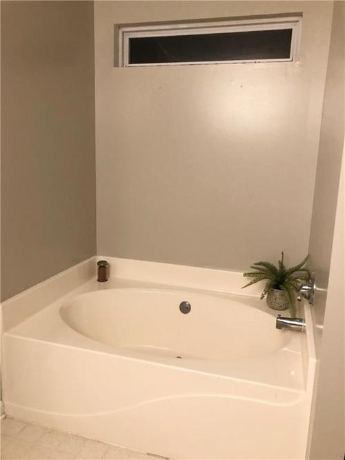 5603 Nuckols Court Indianapolis, IN 46237 | MLS 21684083 | photo 20