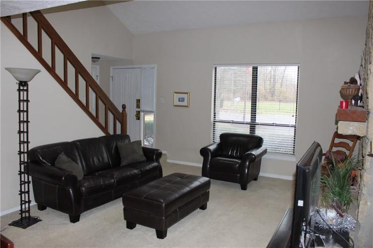 2493 Hideaway North Drive Indianapolis, IN 46268 | MLS 21684089 | photo 2