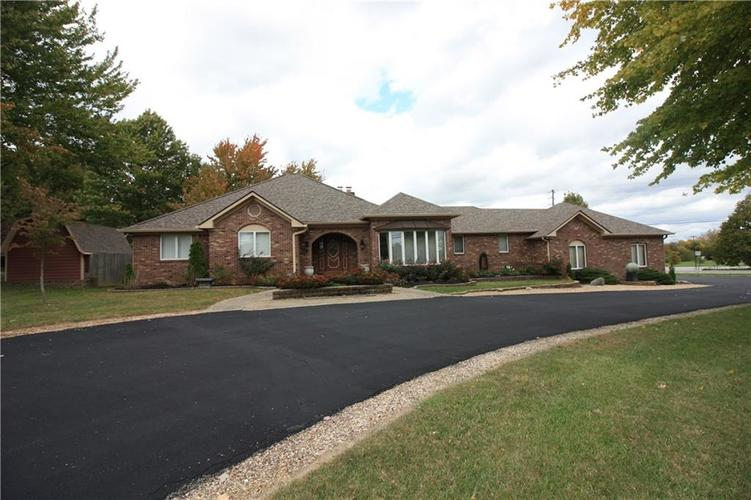 6630 E Southport Road Indianapolis, IN 46237 | MLS 21684108