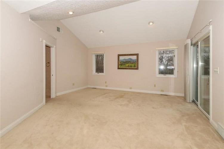 6630 E Southport Road Indianapolis, IN 46237 | MLS 21684108 | photo 16