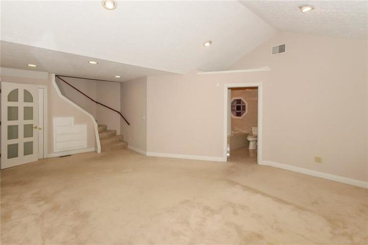 6630 E Southport Road Indianapolis, IN 46237 | MLS 21684108 | photo 17