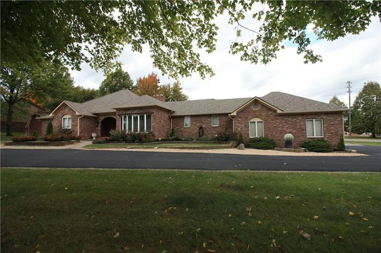 6630 E Southport Road Indianapolis, IN 46237 | MLS 21684108 | photo 2