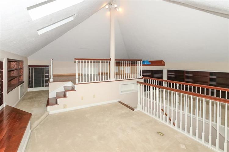 6630 E Southport Road Indianapolis, IN 46237 | MLS 21684108 | photo 23