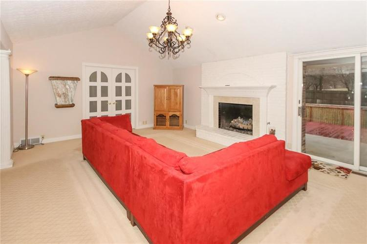 6630 E Southport Road Indianapolis, IN 46237 | MLS 21684108 | photo 7