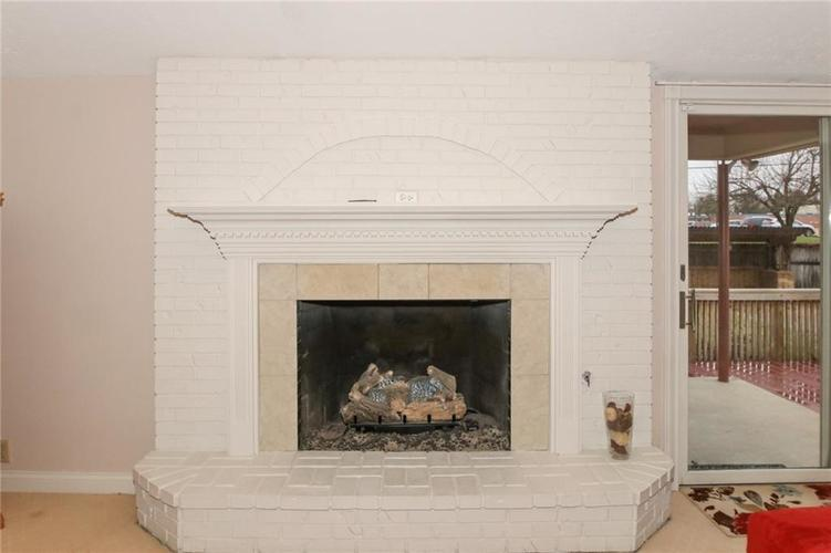 6630 E Southport Road Indianapolis, IN 46237 | MLS 21684108 | photo 9