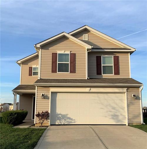5772 Weeping Willow Place Whitestown, IN 46075 | MLS 21684122 | photo 1
