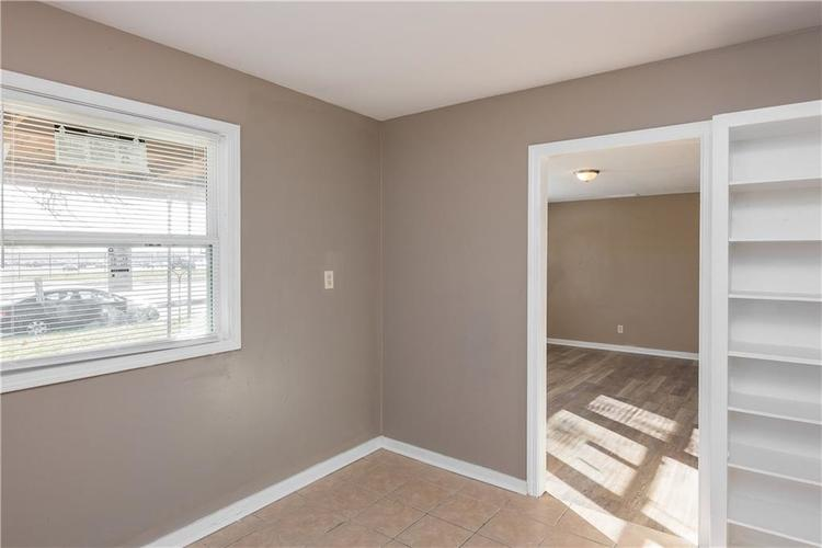6244 E 21st Street Indianapolis, IN 46219 | MLS 21684155 | photo 10