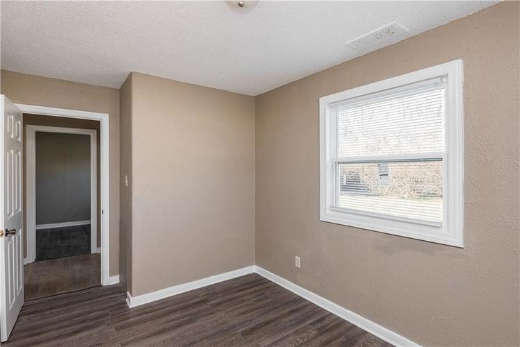 6244 E 21st Street Indianapolis, IN 46219 | MLS 21684155 | photo 12