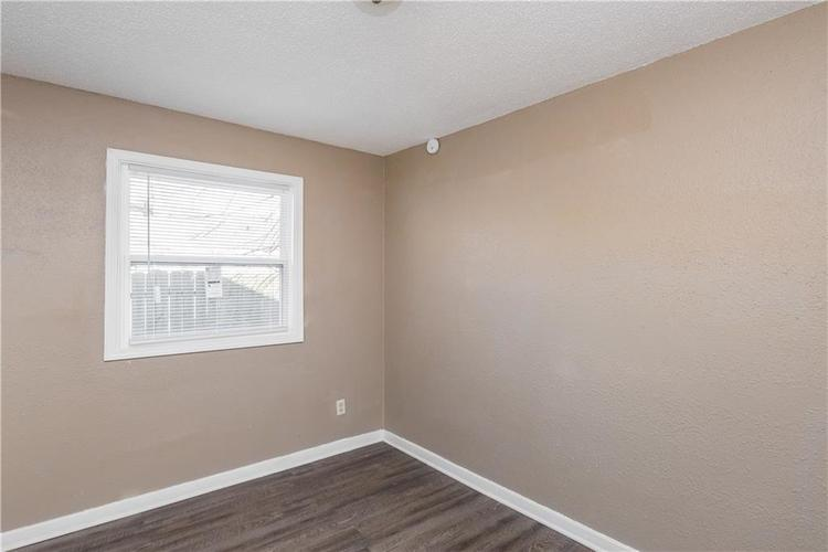 6244 E 21st Street Indianapolis, IN 46219 | MLS 21684155 | photo 13