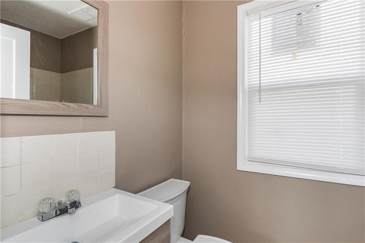 6244 E 21st Street Indianapolis, IN 46219 | MLS 21684155 | photo 14