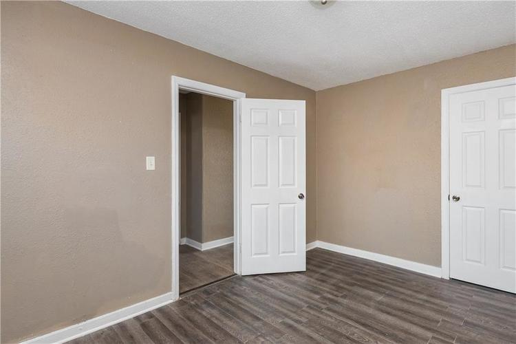 6244 E 21st Street Indianapolis, IN 46219 | MLS 21684155 | photo 17