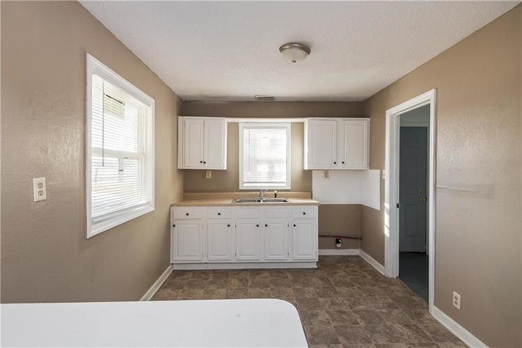 6244 E 21st Street Indianapolis, IN 46219 | MLS 21684155 | photo 27