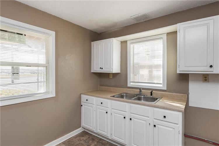 6244 E 21st Street Indianapolis, IN 46219 | MLS 21684155 | photo 28