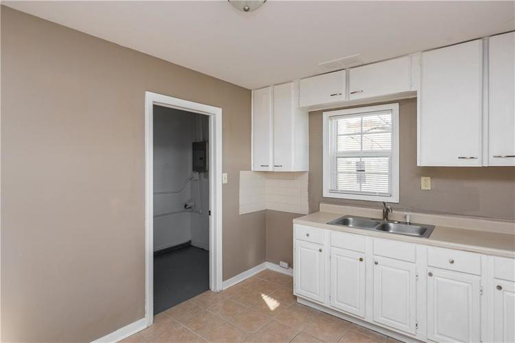 6244 E 21st Street Indianapolis, IN 46219 | MLS 21684155 | photo 7