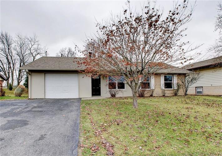 489 Greensprings Drive Whiteland, IN 46184 | MLS 21684158 | photo 1