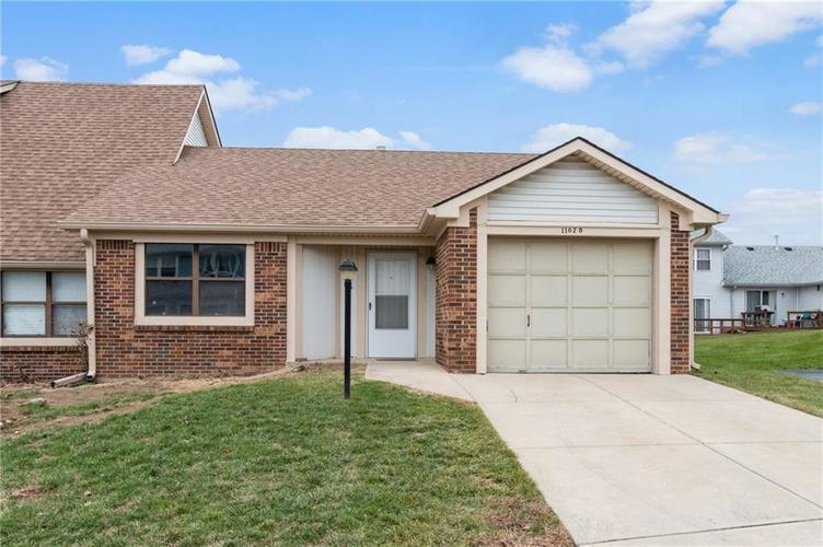 1102  Paradise Court Greenwood, IN 46143 | MLS 21684161