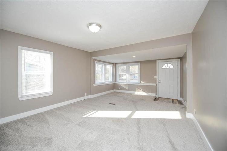 5373 Sunset Avenue Indianapolis, IN 46208 | MLS 21684172 | photo 7