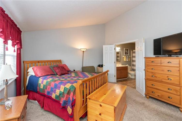 10845 Tealpoint Drive Indianapolis, IN 46229 | MLS 21684201 | photo 12