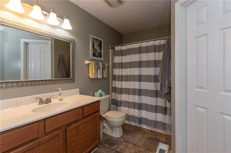 10845 Tealpoint Drive Indianapolis, IN 46229 | MLS 21684201 | photo 14
