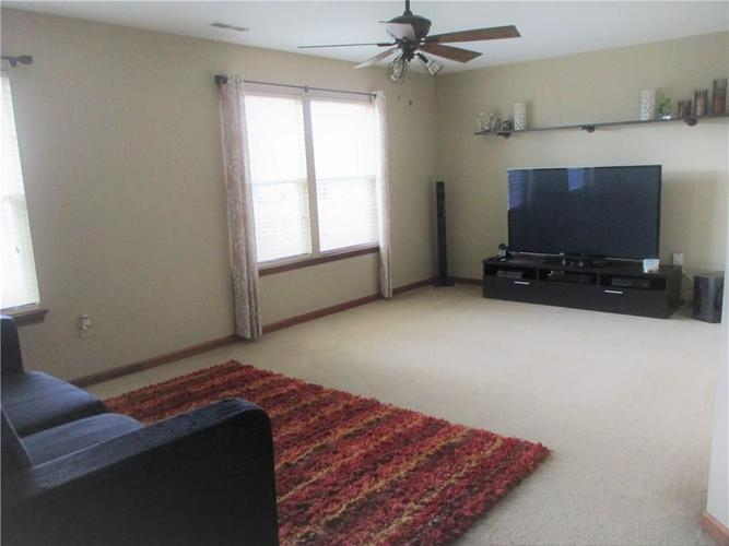 8520 Blair Castle Court Indianapolis, IN 46259 | MLS 21684213 | photo 12