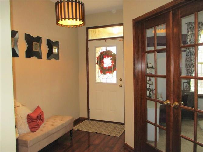 8520 Blair Castle Court Indianapolis, IN 46259 | MLS 21684213 | photo 2