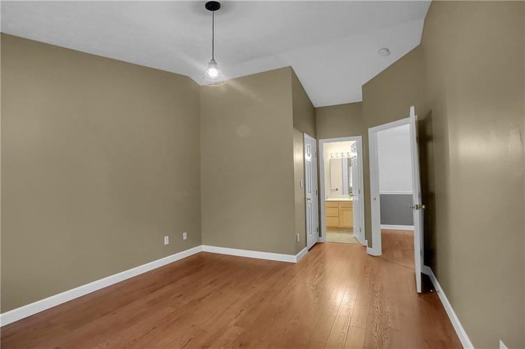8346 GLENWILLOW Lane #208 Indianapolis, IN 46278 | MLS 21684252 | photo 10