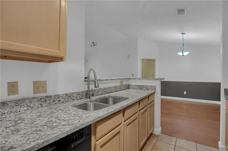 8346 GLENWILLOW Lane #208 Indianapolis, IN 46278 | MLS 21684252 | photo 18
