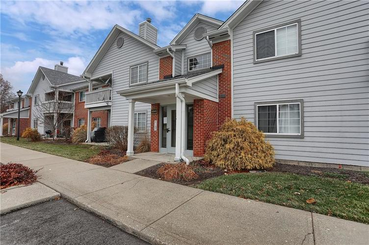 8346 GLENWILLOW Lane #208 Indianapolis, IN 46278 | MLS 21684252 | photo 2