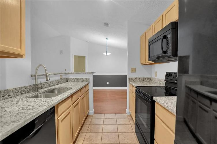8346 GLENWILLOW Lane #208 Indianapolis, IN 46278 | MLS 21684252 | photo 22