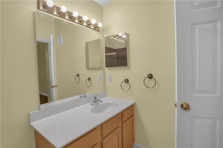 8346 GLENWILLOW Lane #208 Indianapolis, IN 46278 | MLS 21684252 | photo 28