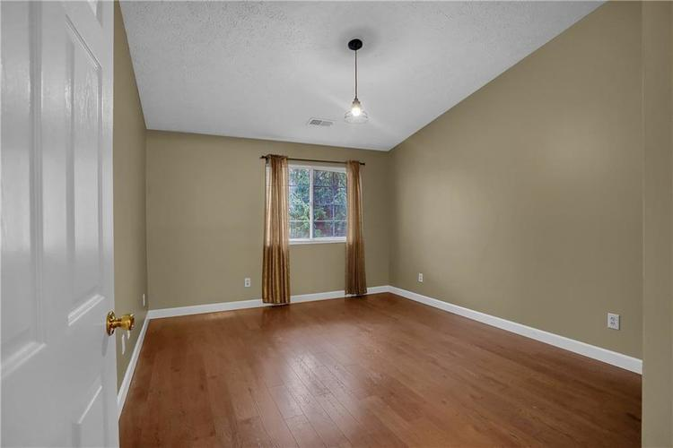 8346 GLENWILLOW Lane #208 Indianapolis, IN 46278 | MLS 21684252 | photo 6