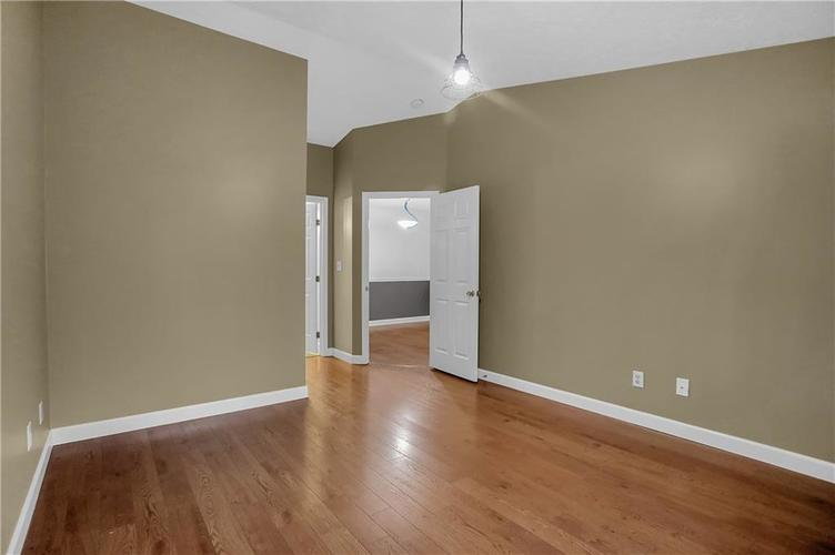 8346 GLENWILLOW Lane #208 Indianapolis, IN 46278 | MLS 21684252 | photo 9