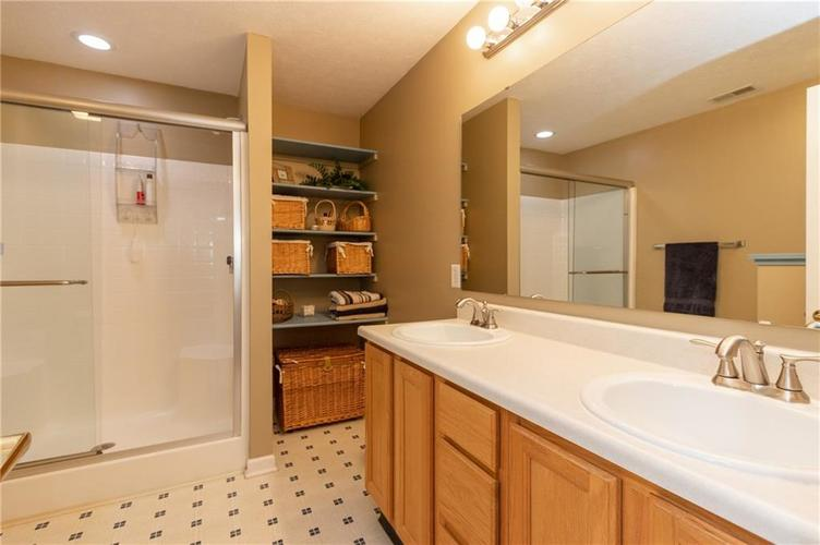 7448 Giroud Drive Indianapolis, IN 46259 | MLS 21684268 | photo 13