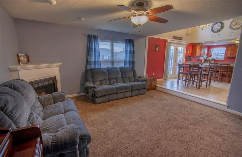6602 Paramount Springs Drive Anderson, IN 46013 | MLS 21684298 | photo 11