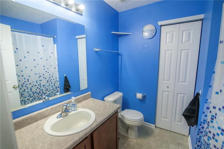 6602 Paramount Springs Drive Anderson, IN 46013 | MLS 21684298 | photo 27