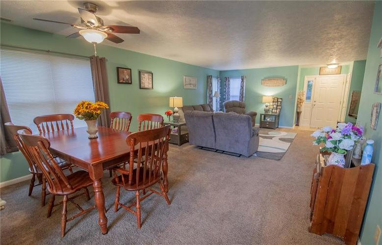6602 Paramount Springs Drive Anderson, IN 46013 | MLS 21684298 | photo 7