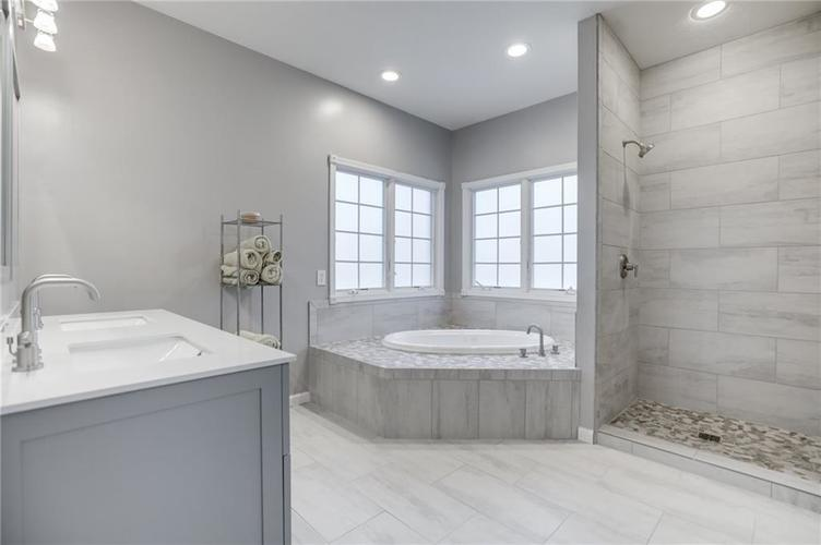 1811 Inisheer Court Indianapolis, IN 46217 | MLS 21684299 | photo 21