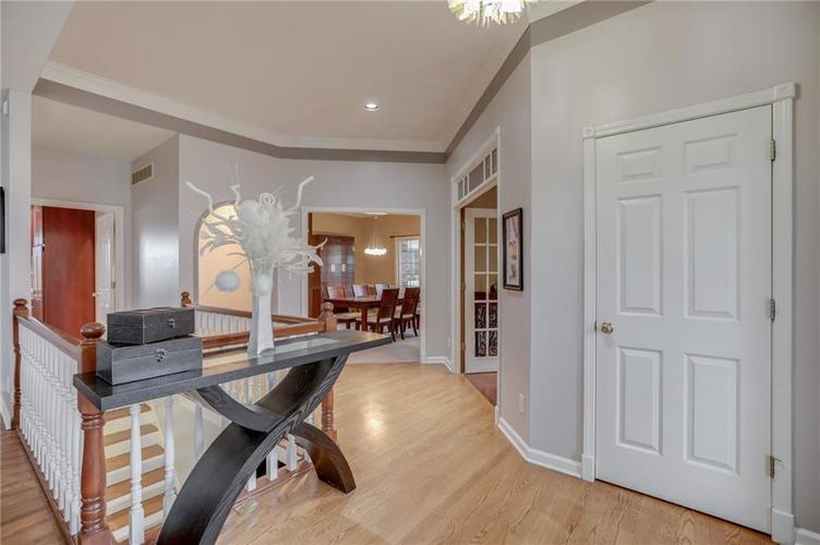 1811 Inisheer Court Indianapolis, IN 46217 | MLS 21684299 | photo 3
