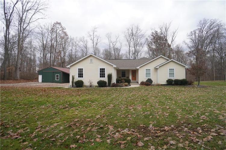 3251 Forest Road Batesville, IN 47006 | MLS 21684308 | photo 2