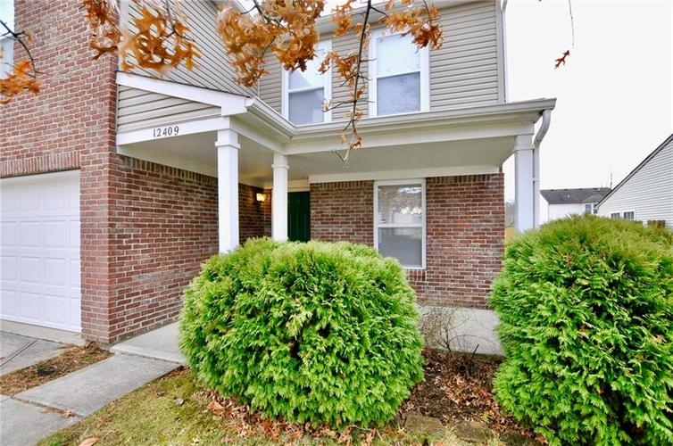 12409 BEARSDALE Drive Indianapolis, IN 46235 | MLS 21684331 | photo 2