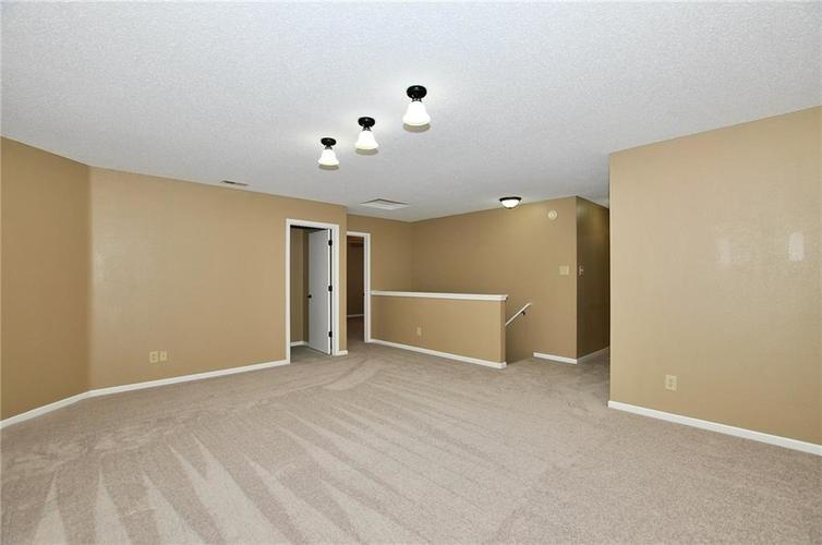 12409 BEARSDALE Drive Indianapolis, IN 46235 | MLS 21684331 | photo 21