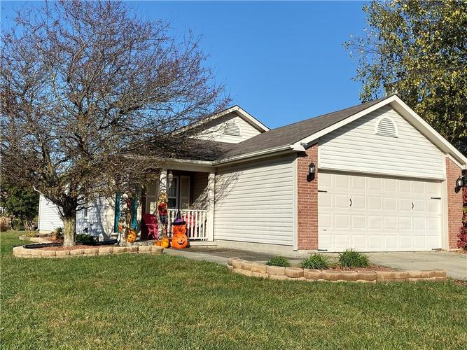 6022 PRAIRIE MEADOW Drive Indianapolis, IN 46221   MLS 21684361   photo 1