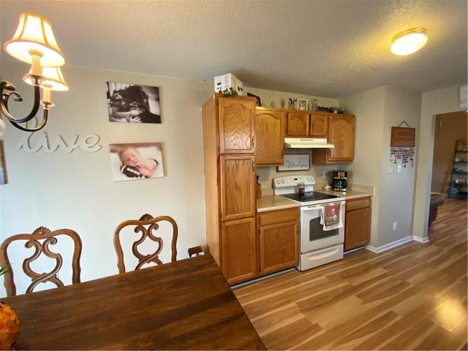 6022 PRAIRIE MEADOW Drive Indianapolis, IN 46221   MLS 21684361   photo 15